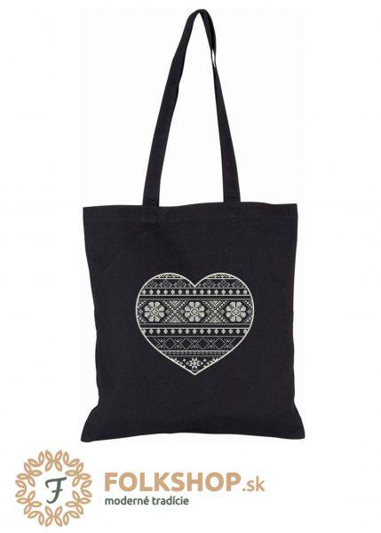 Čierna nákupná taška s bielou krížikovou výšivkou srdca