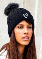 čierna-čiapka-žena043