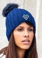 modrá-čiapka-žena